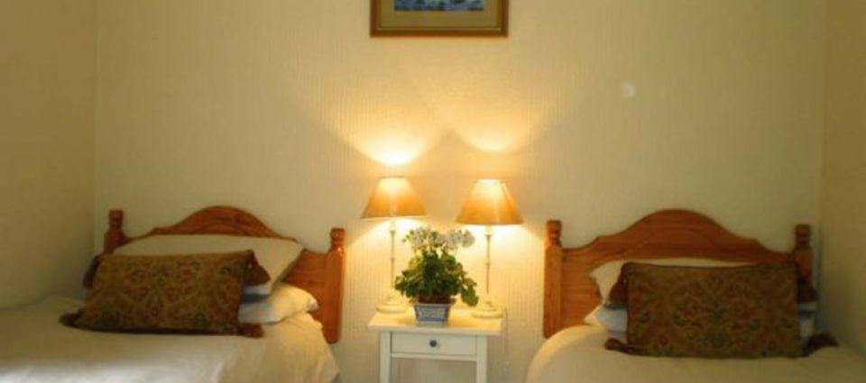 nevis_twin_bedroom.jpg