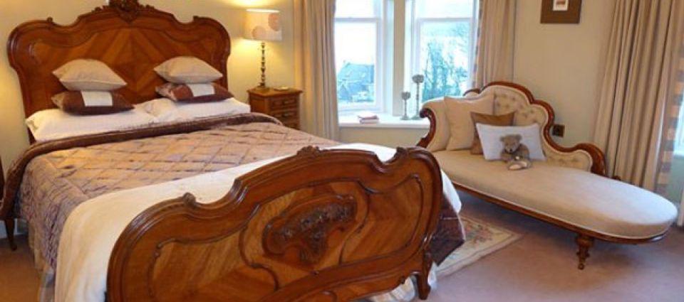 room1_bed_1.jpg