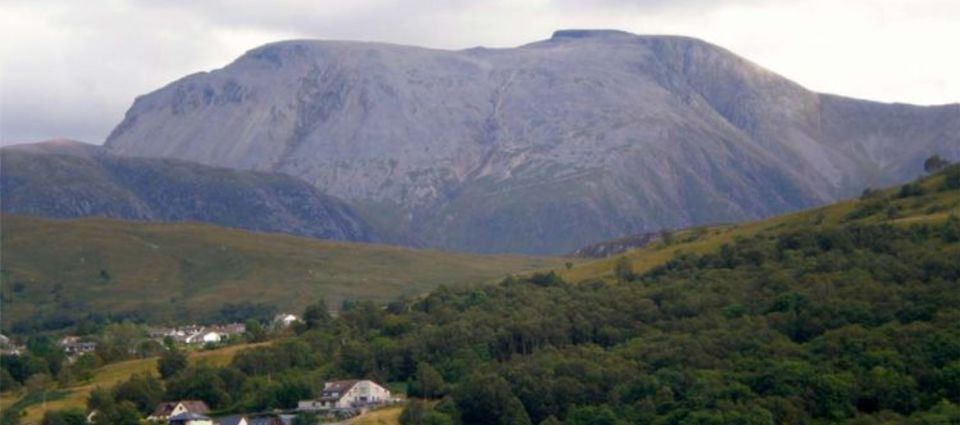 ben_nevis_and_house.jpg