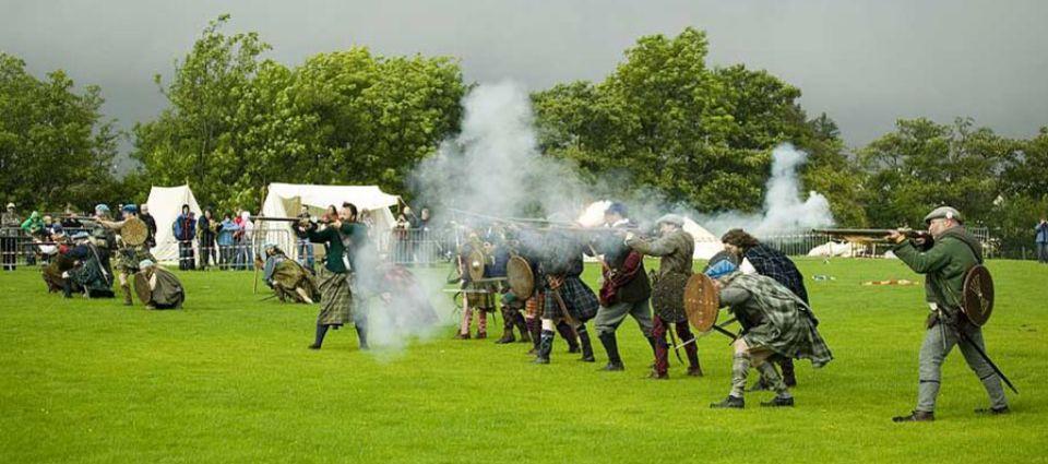 Clansmen in battle