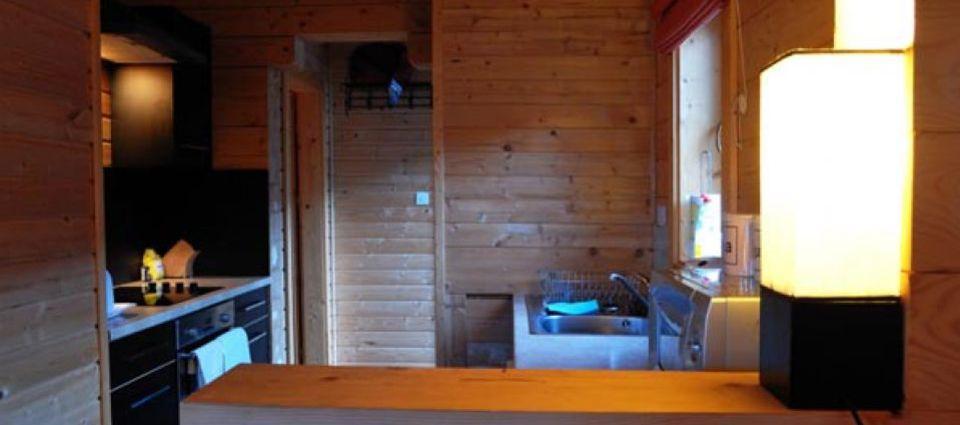 cabin_interior08.jpg