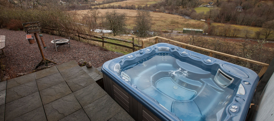 Giant hot-tub with spectacular views
