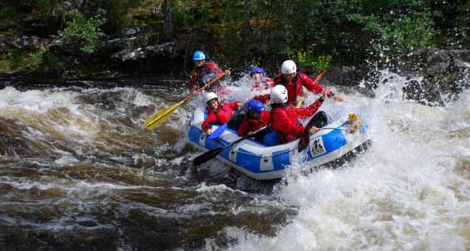 Large white water rafting scotland