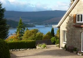 St Anthonys  is a quiet, comfortable Fort William Bed & Breakfast situated in the middle of town in an elevated position giving lovely views ov...