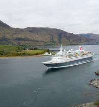 Cruise ship tourism Fort William