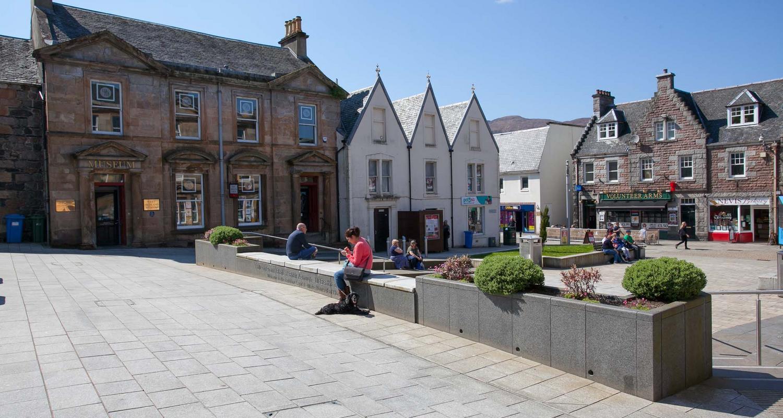 Fort William Cameron Square