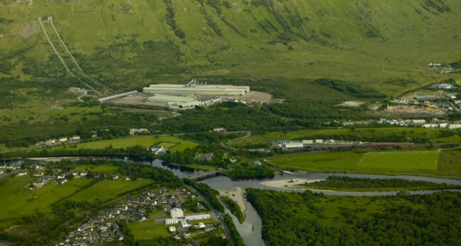 Aerial view of the Alcan plant