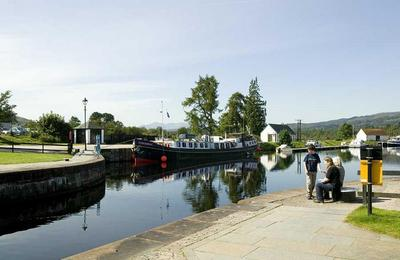 Top Lock and south to Fort William