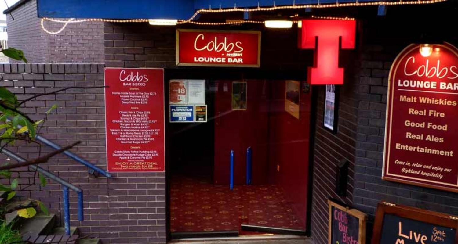 Cobbs Bar, Nevisport Shop